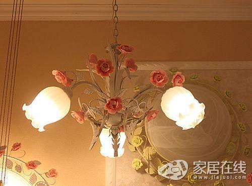 欧式田园风格灯饰 粉色玫瑰扮靓家居